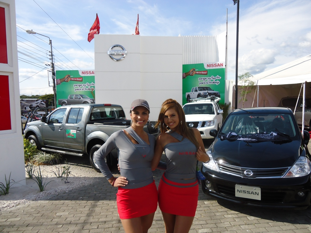 Nissan en Expomovil 2011 (1/6)