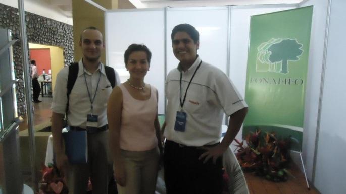Agencia Datsun fue uno de los patrocinadores del Latin Carbon Forum 2011, realizado en Costa Rica en setiembre de 2011. Christiana Figueres estuvo participando del mismo y José Daniel Lara y yo aprovechamos para tomarnos una foto con ella.