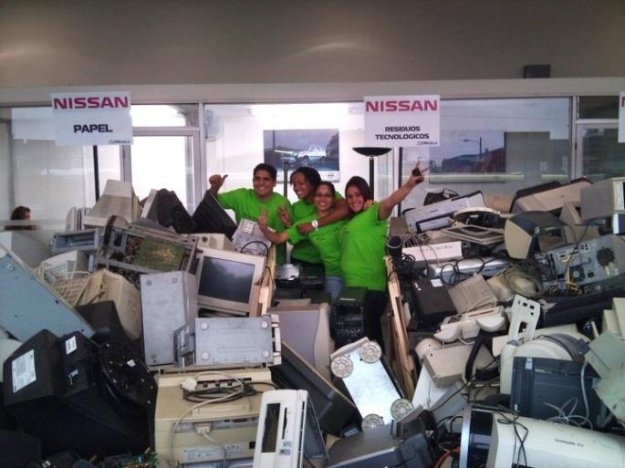 Un tiempo muy ameno se comparte con los compañeros de Nissan durante las campañas CRecicla.